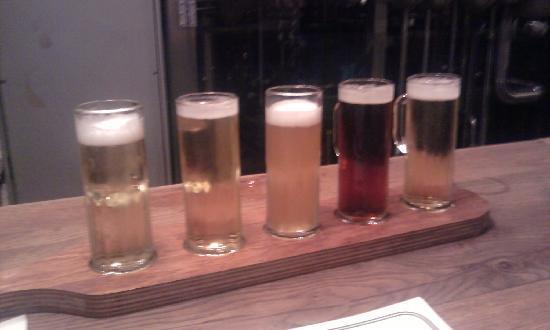 Hofbrauhaus Newport: The beer sampler at Hofbrauhaus