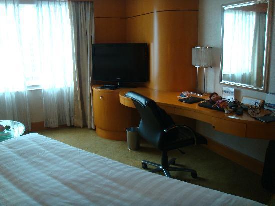 โรงแรมแชงกรี ลา มาคาติ: Superior Room