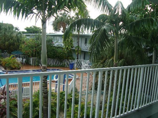 Ramada by Wyndham Fort Lauderdale Airport/Cruise Port: grounds