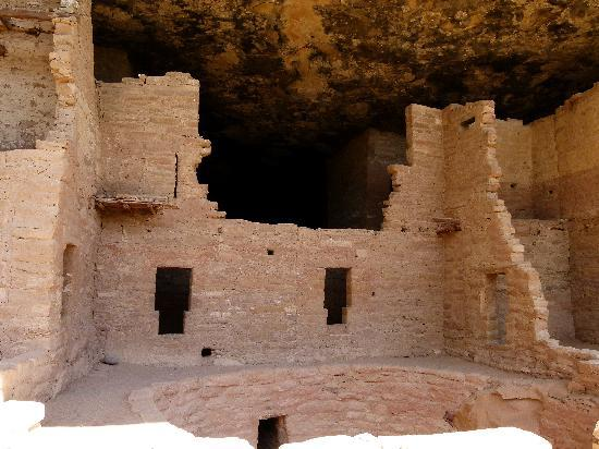 Spruce Tree House: rooms with odd shaped windows