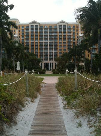 The Ritz-Carlton Key Biscayne, Miami: Boardwalk from Beach to Hotel