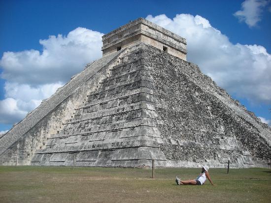 ชิเชนอิทซา: Pirámide (El Castillo)