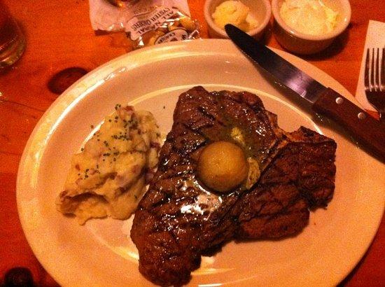 Wobbly Barn Steakhouse : Porterhouse Steak.... amazing