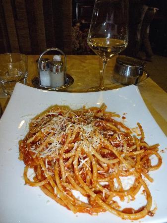 Ristorante Berzitello: Botancini w/tomato sauce, bacon & onions