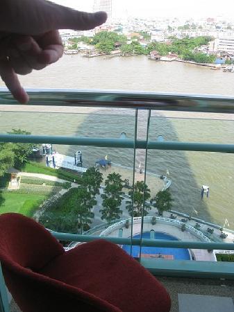 โรงแรม ชาเทรียม ริเวอร์ไซค์ กรุงเทพฯ: View at 9am (linked to my posting)