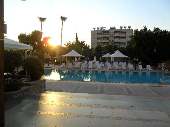 Ajax Hotel: I enjoyed breakfast by the pool while watching the sunrise.