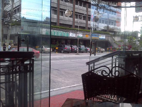Stone House Quezon City: From restaurant alfresco