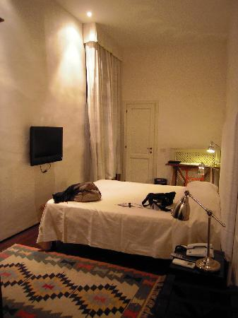 J & J Historic House Hotel: Double Room