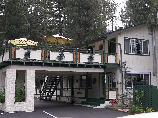 Alpenrose Inn: Beautifully Decorated
