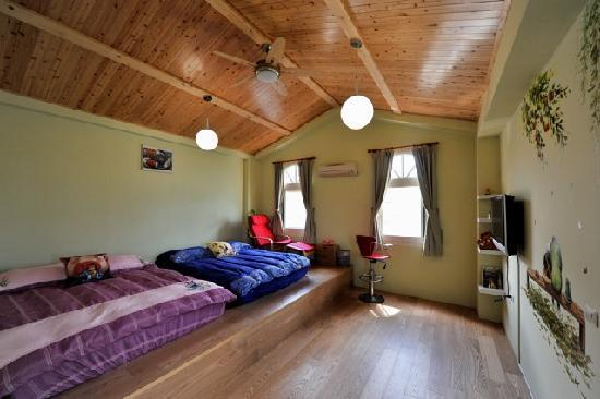 Ms. Haversham's House: Jimmy's Room