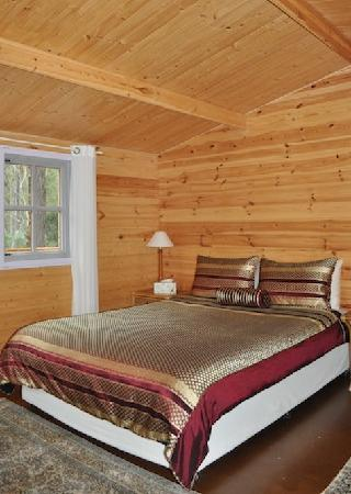 Mt Warning Bed and Breakfast Retreat: ALPINE CABIN - Bedroom