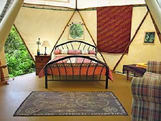 Mt Warning Bed & Breafast Retreat: YURT