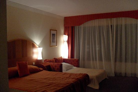 President Hotel Prague: triple share room