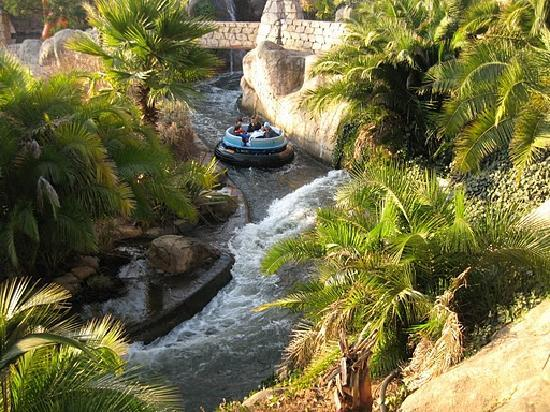 Gold Reef City: rafting)