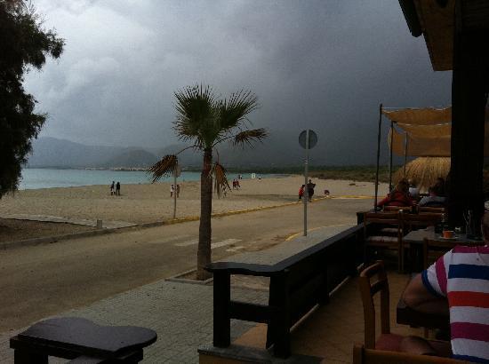 El Sol Restaurant & Bar: Preciosas vistas, incluso con mal tiempo