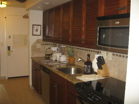 Aston Maui Kaanapali Villas : fully equipped kitchen