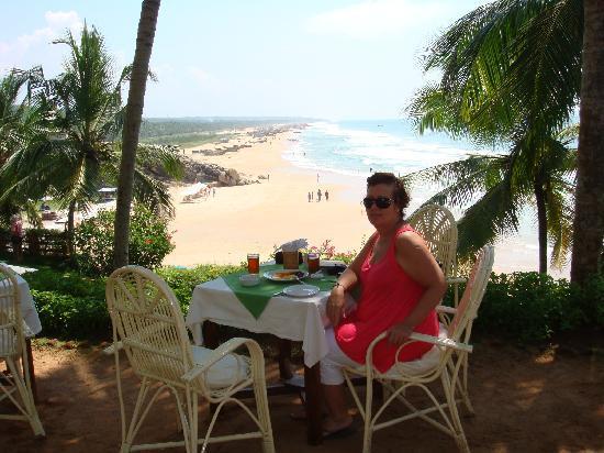 Manaltheeram Ayurveda Beach Village: Enjoying the view!