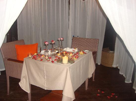 ฮิลตัน เซย์เชลเลส นอร์ทโทโลม รีสอร์ท & สปา: From romantic dinner - 2