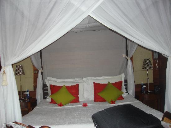 ฮิลตัน เซย์เชลเลส นอร์ทโทโลม รีสอร์ท & สปา: the bed