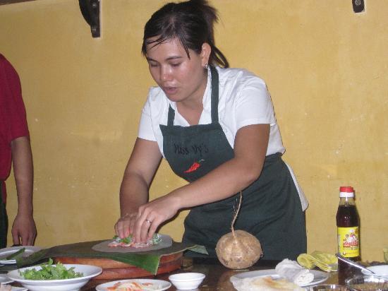 Vy's Market Restaurant & Cooking School: staff