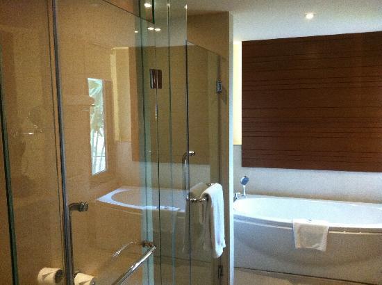 เดอะ เวสทิน สิเหร่เบย์ รีสอร์ท แอนด์ สปา: Bathroom