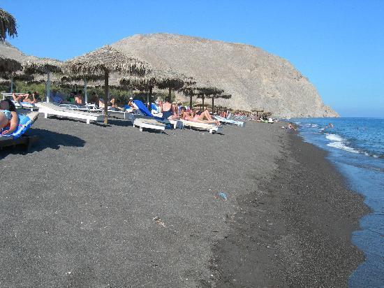 9 Muses Santorini Resort: La spiaggia