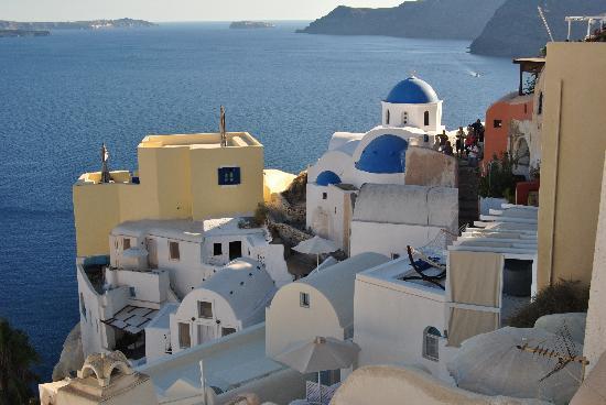 9 Muses Santorini Resort: Veduta di Oia
