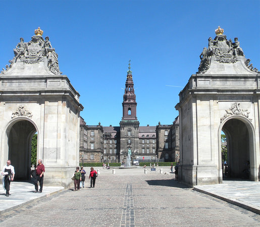 SANDEMANs NEW Copenhagen Tours: SANDEMANs NEW Copenhagen - The palace