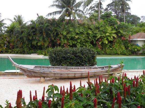 เดอะ วิลเลจ โคโคนัท ไอส์แลนด์ รีสอร์ท: One of the Resort Pools
