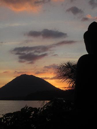 Zonsondergang Bunaken Island Resort