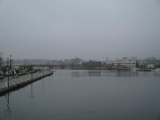 Nusamai Bridge: 釧路川(往出內陸方向)