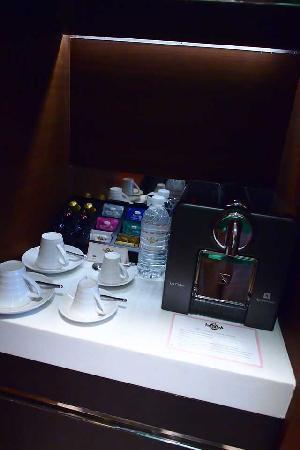 เดอะ แลงแฮม ซินเทียนตี้ โฮเต็ล: Nespresso...