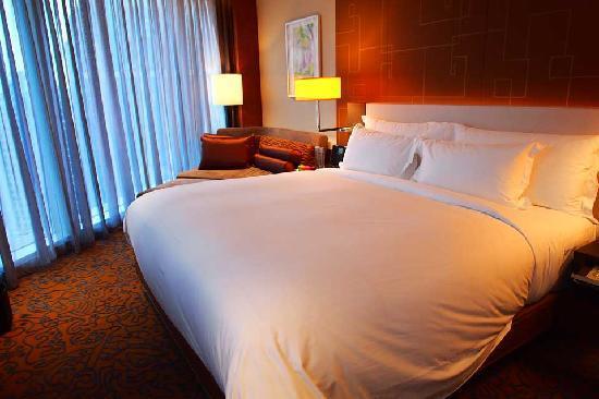 เดอะ แลงแฮม ซินเทียนตี้ โฮเต็ล: The beds are very comfy though