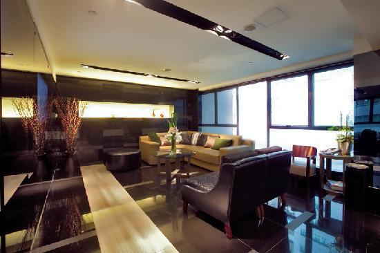โรงแรมคาซ่า: Reception Lobby