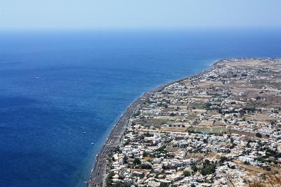 Perissa Black Sand Beach: Spiagge dall'alto