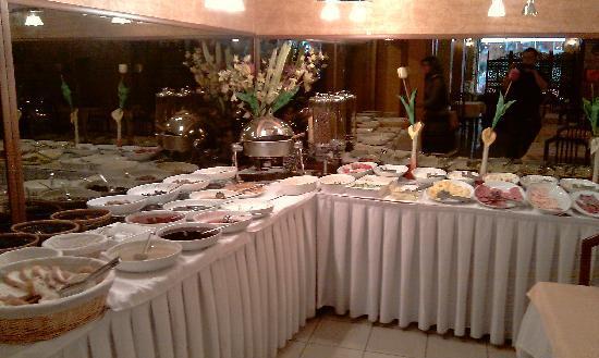 Turvan Hotel: Breakfast