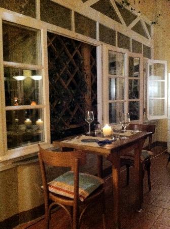 Osteria Enoteca San Guido: atmosfera romantica