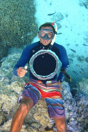 Pure Snorkeling by Reef Discovery: Christophe blowing air rings
