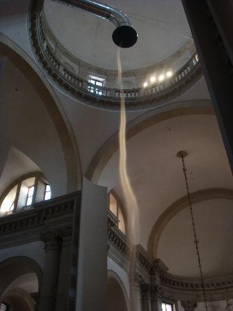 """San Giorgio Maggiore: une """"sculpture"""" d'air et de fumée...."""