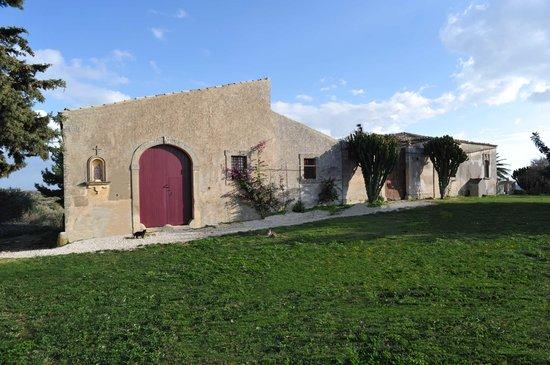 Azienda Agricola Busulmona: Vista Fabbricato
