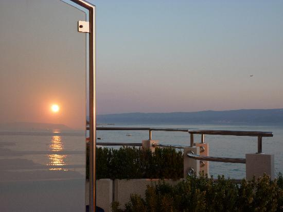 Hotel Sunce: Sunset reflection