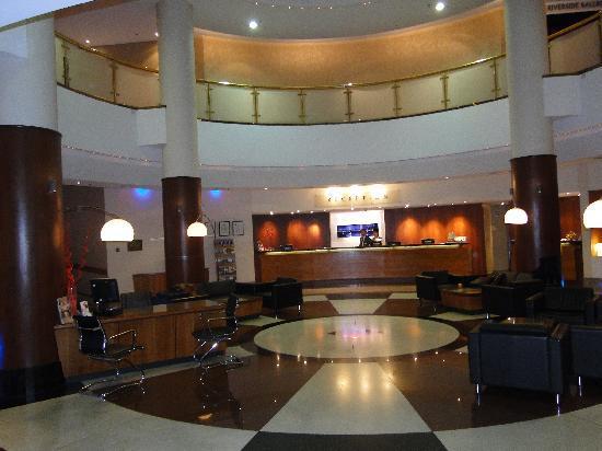 โรงแรมโนโวเทลแลงเกลย์เพิร์ธ: Lobby