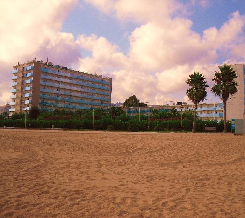 Golden Taurus Park Resort: hotel from beach at end of a day on the beach