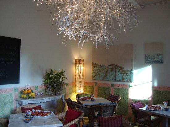La Magrana Cafe-Bistro: getlstd_property_photo