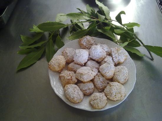 Decugnano Dei Barbi Cooking Class: Brutti ma buoni bisquits