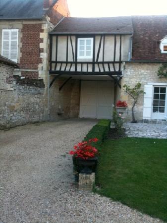 Le Clos de L'Abbaye: the entrance completely private