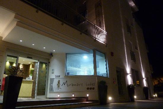 Hotel Miramare: L'entrée