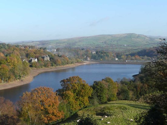 Kinrara Bed and Breakfast: View over Toddbrook reservoir from Kinrara
