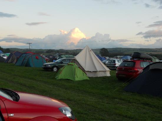 Dalesbridge House: busy campsite