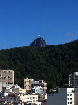 PortoBay Rio Internacional Hotel: Corcovado from the rooftop pool area.